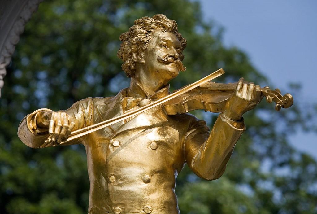 Vienna_-_Johann_Strauss_Monument_in_Stadt_Park